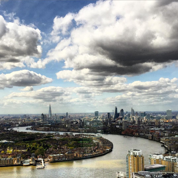 Disruption over the skyline, London photo by Dinis Guarda