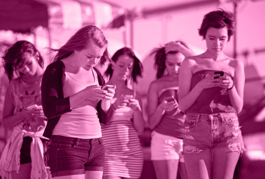 """Are We All Part of Generation Z: Teenagers, """"Selfies"""" and Social Media Intelligenthq"""