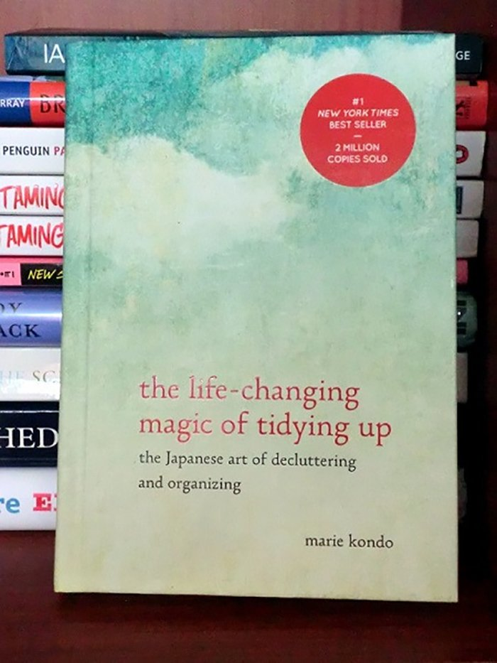 the-life-changing-magic-of-tidying-up-the-japanese-art-of-decluttering-and-organizing-by-marie-kondo