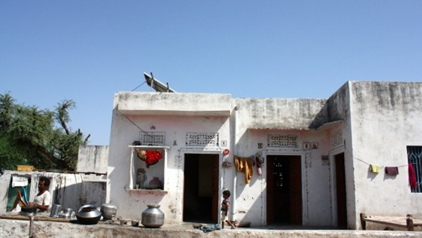Ritus-house-solar-power-Barefoot-College-Lauren-Remedios-620x350