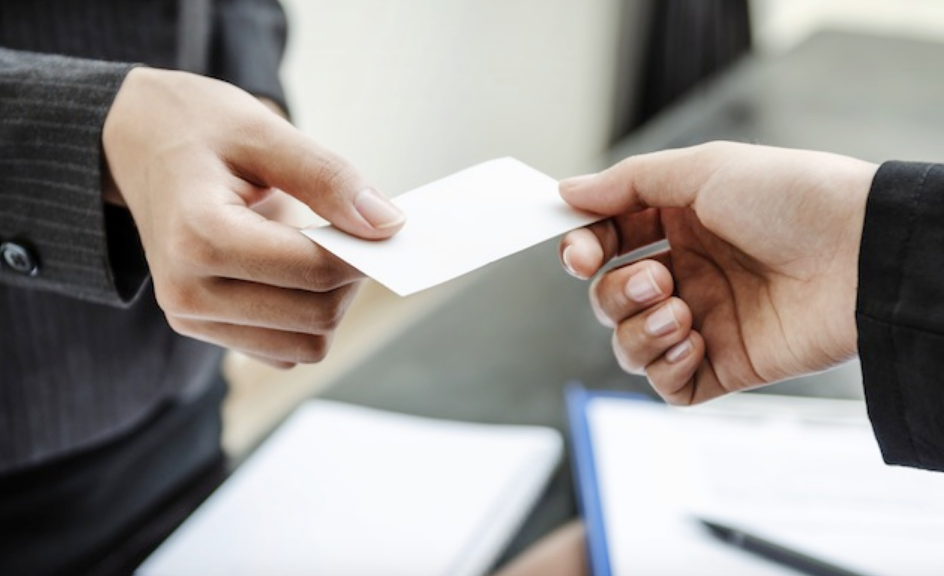 Why We Still Use Business Cards to Network