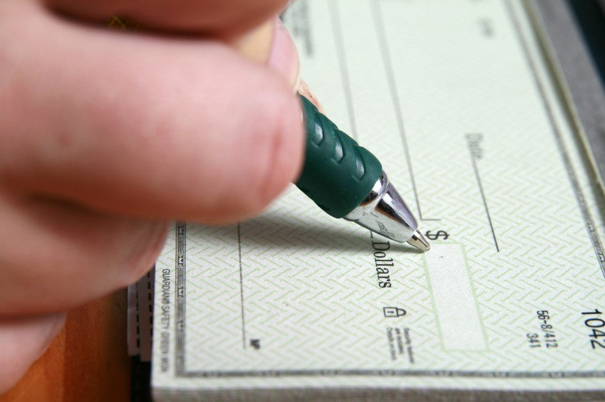 Why Small Businesses Never Say Goodbye To Cheques?
